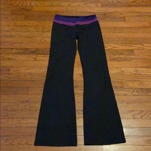 Lululemon Flare Yoga Pants Size 6 🔥🔥